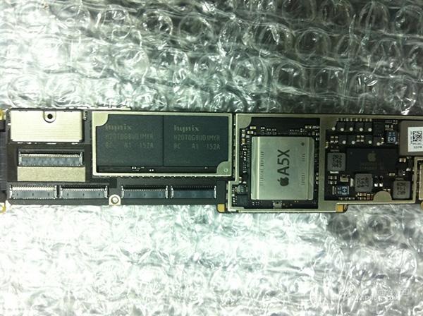 iPad 3のロジックボード